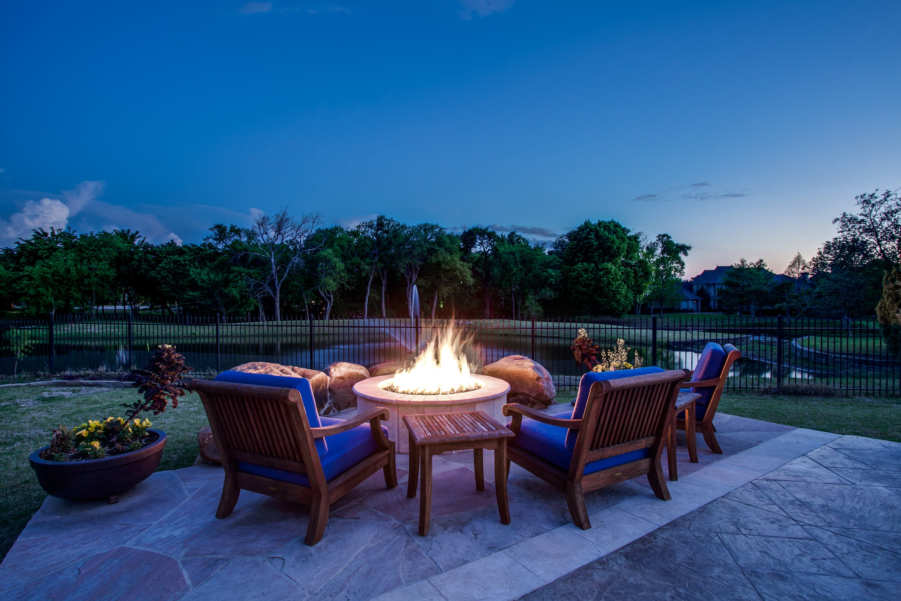 4 DIY Fire Pits for Spring Nights