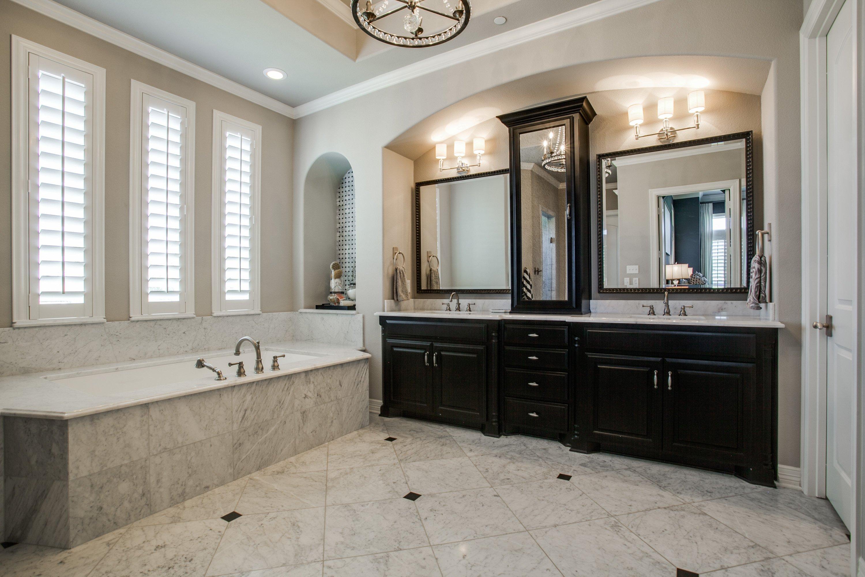 15 Mom-Worthy Spa Bathrooms