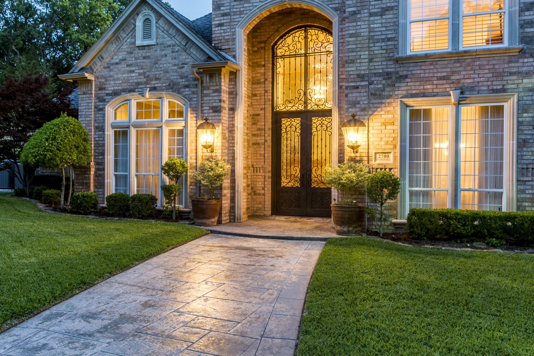 Feature We Love: Arched Entry