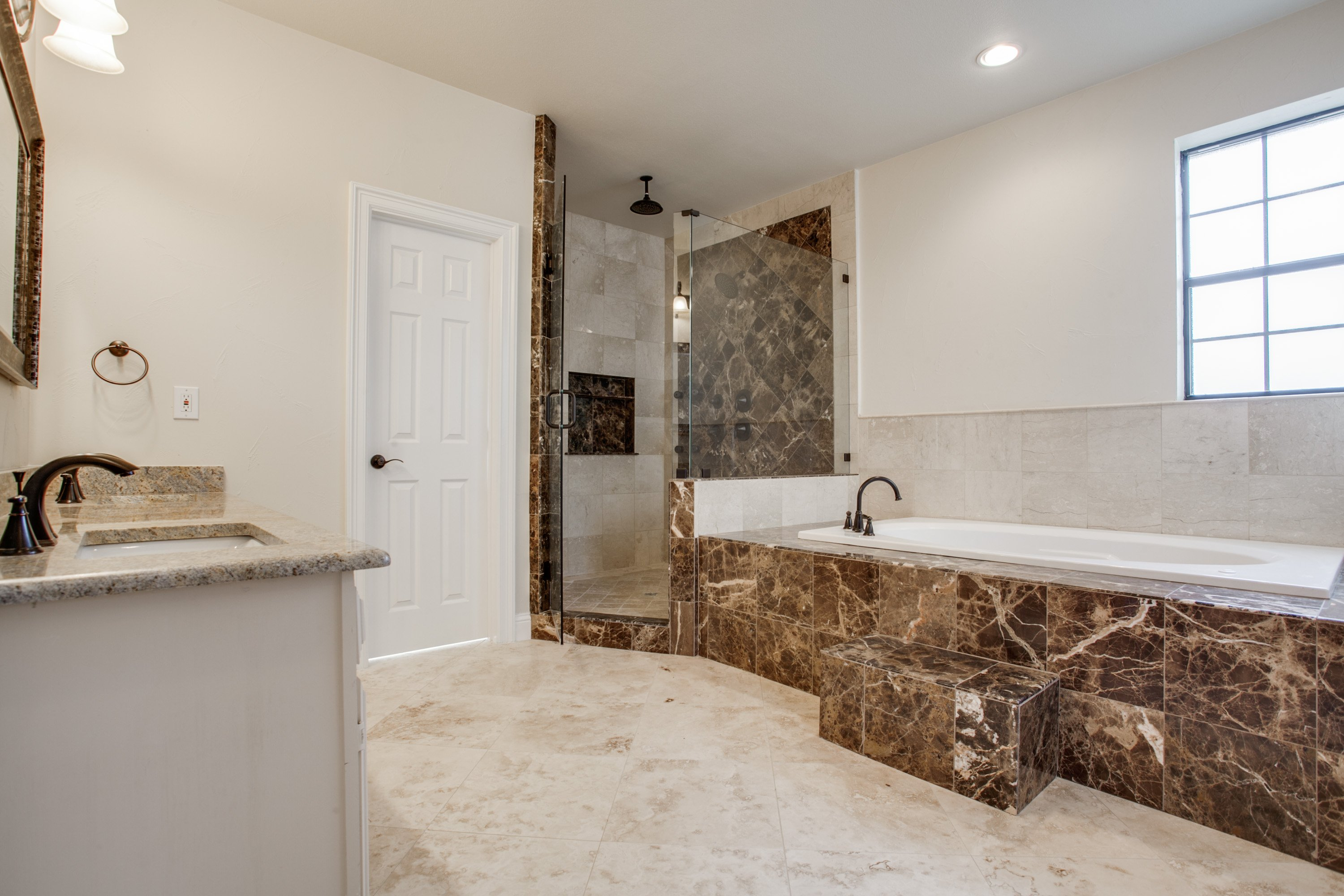 Fresh Listing Friday: All the Amenities