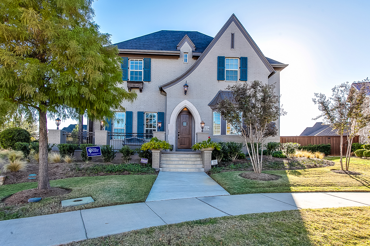Fresh Listing Friday: Custom with Character