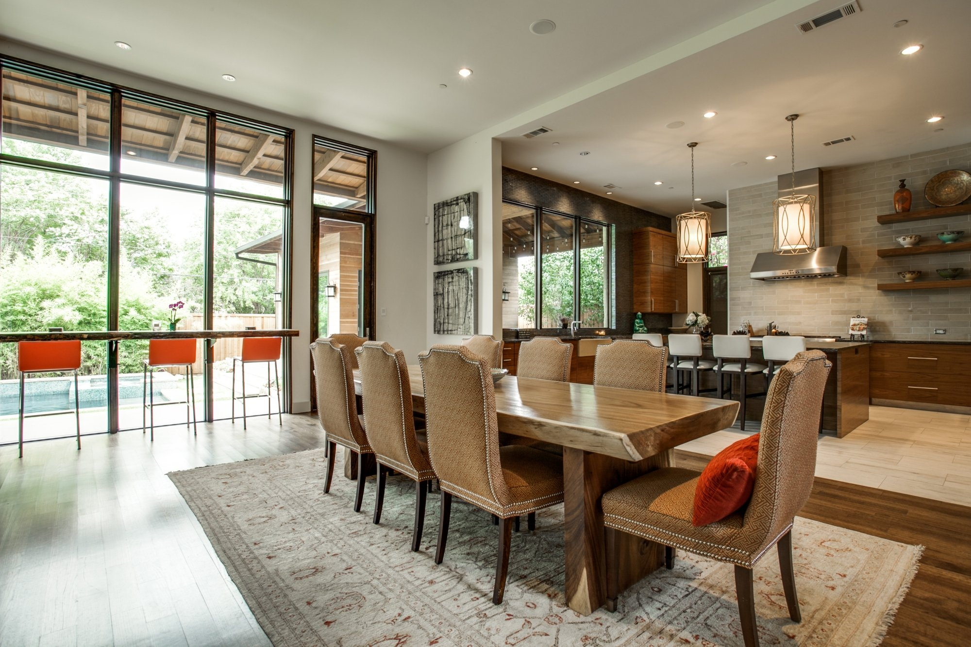 Thanksgiving-Ready Dining Rooms