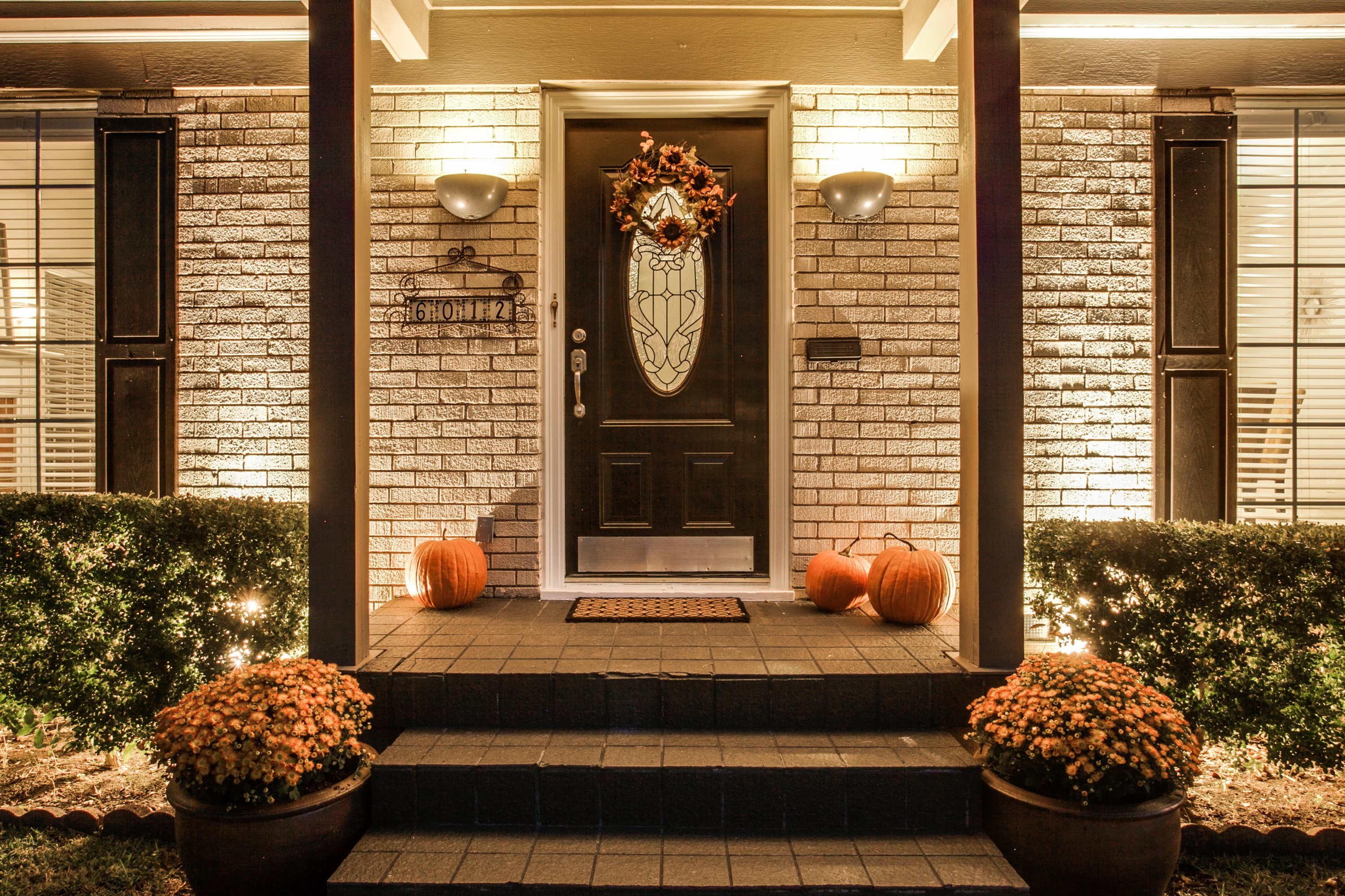 Welcome Buyers with Seasonal Decor
