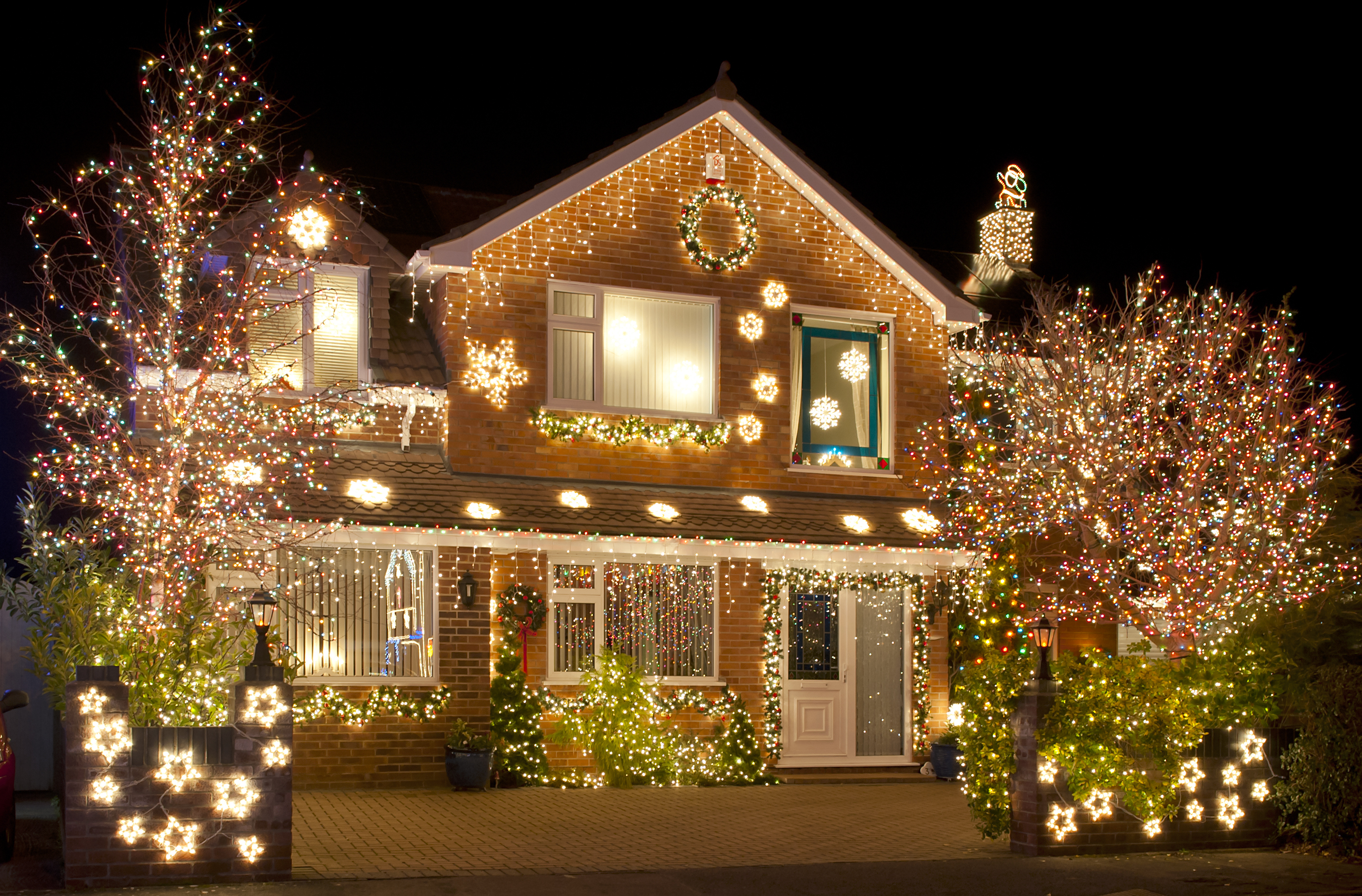 How to Hang Your Lights with Care
