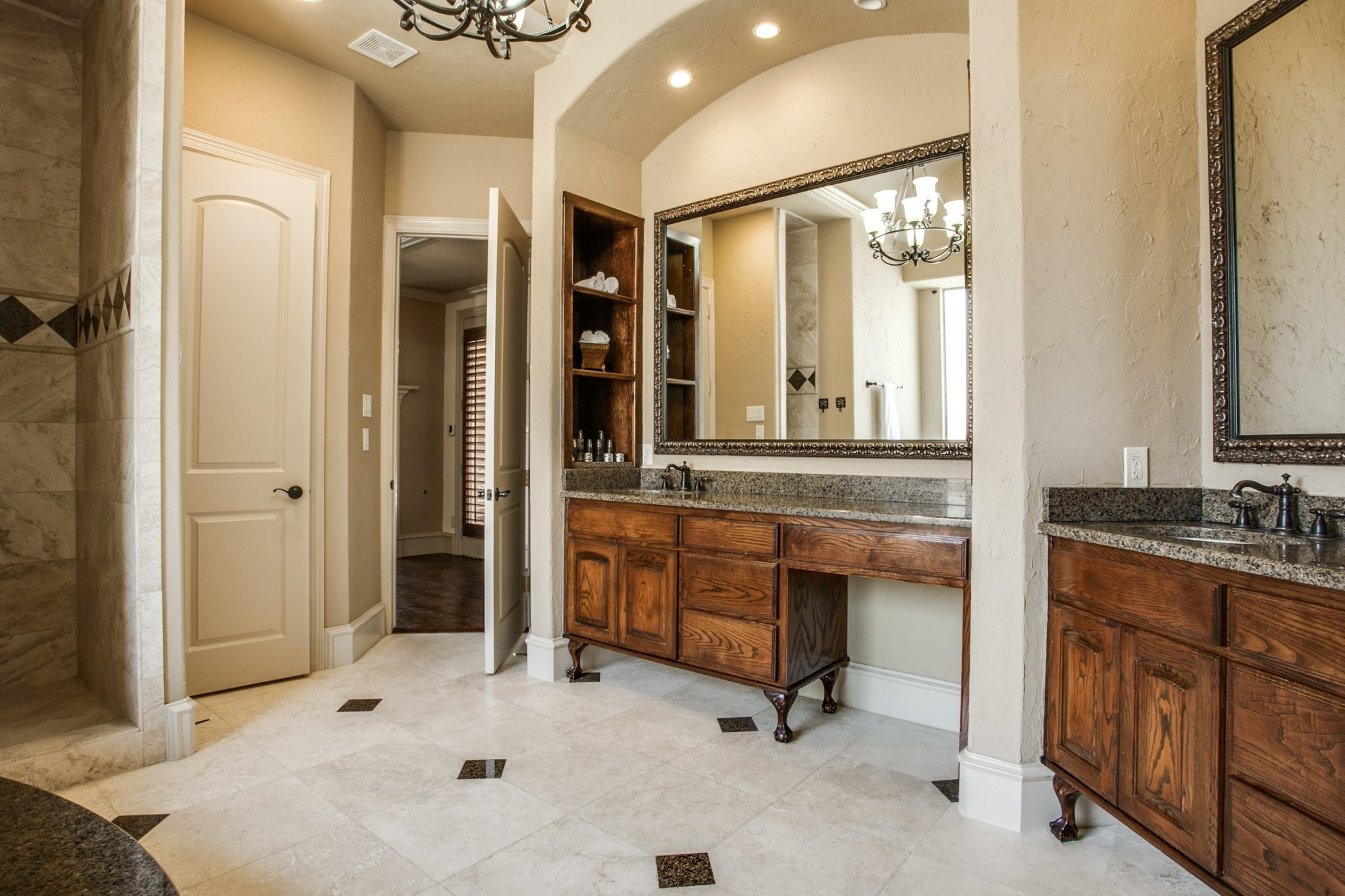 Feature We Love: Large-Scale Mirror