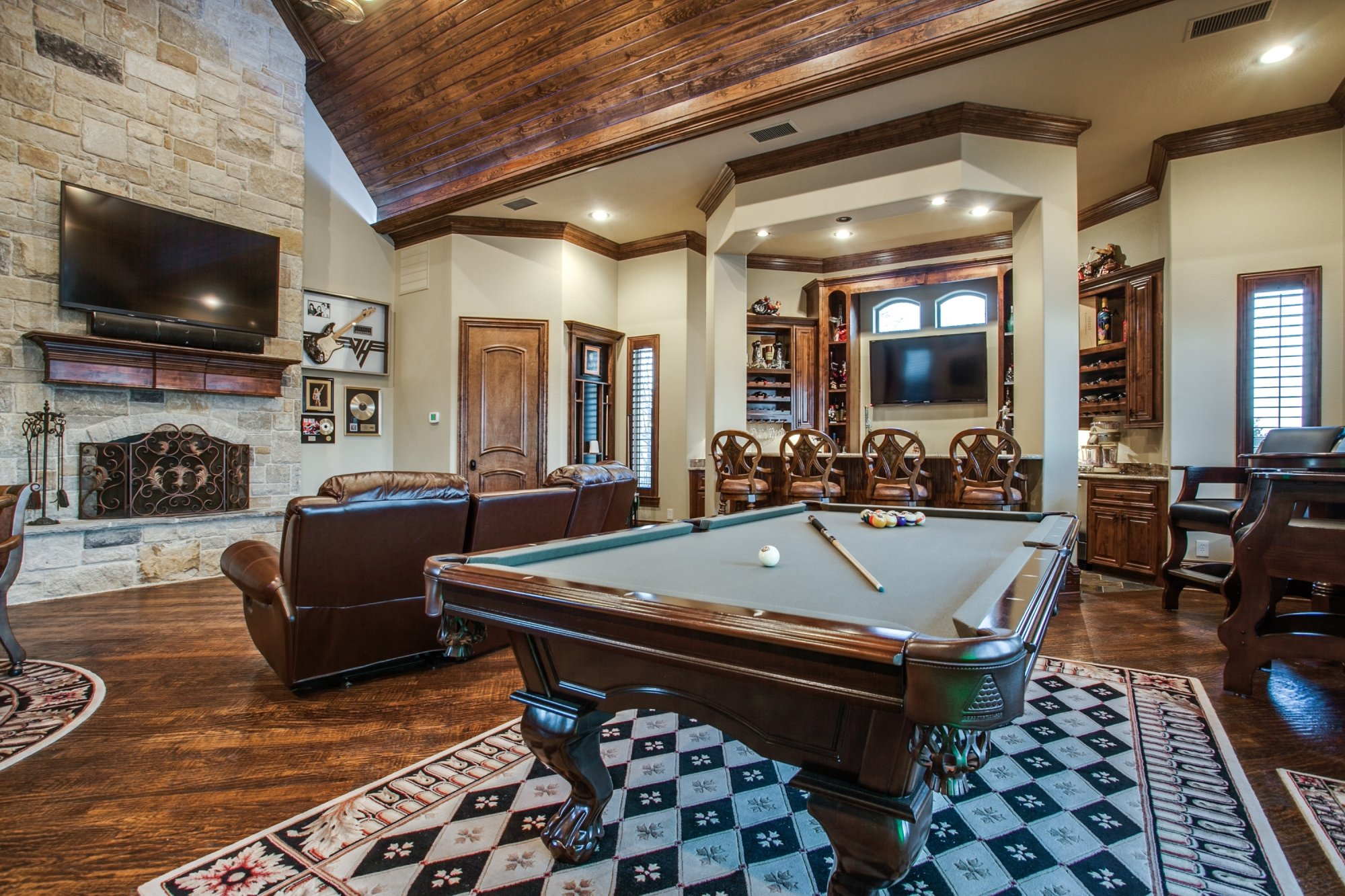 Love Where You Live: Game Room