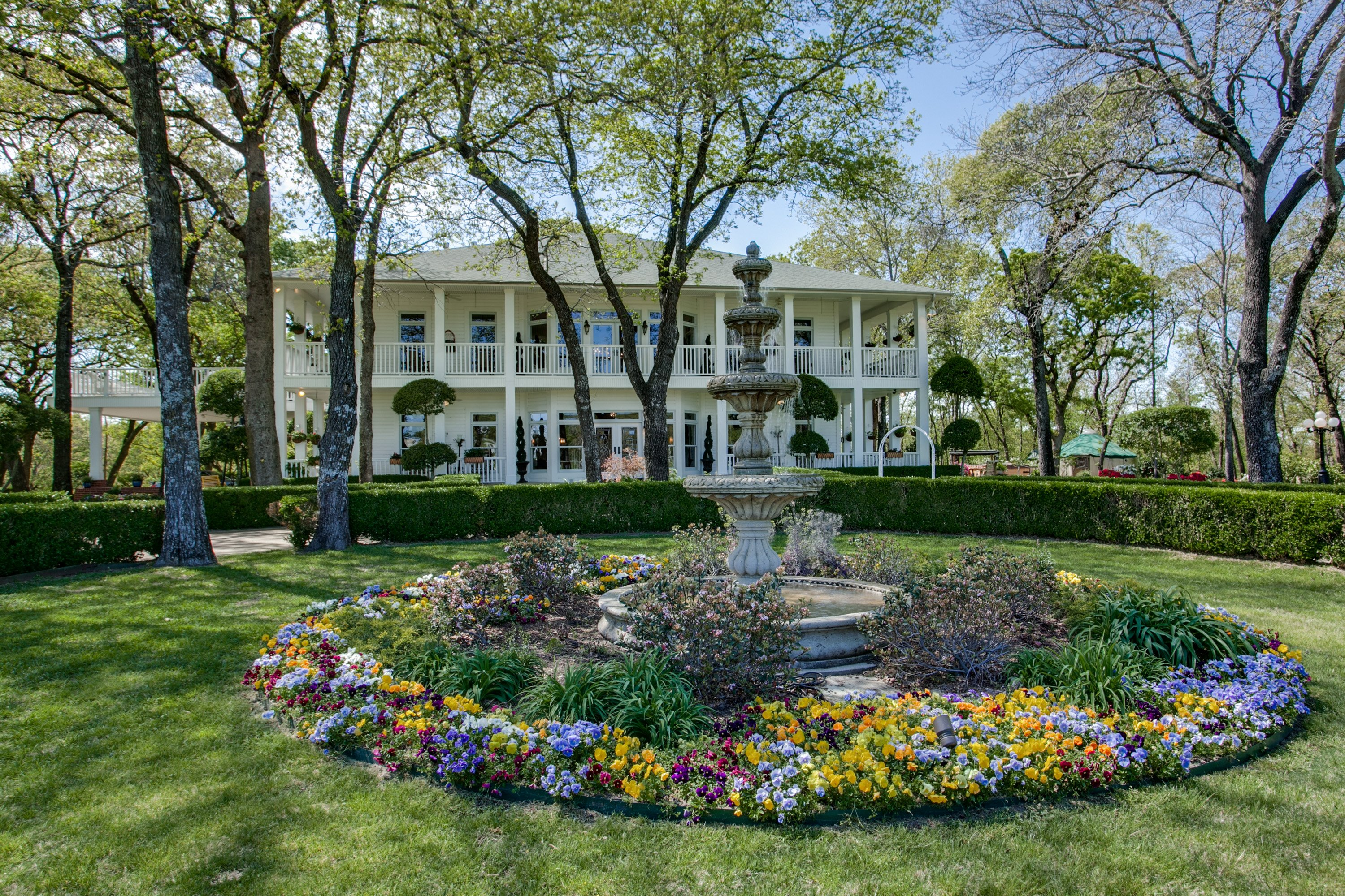 Get Inspired By Spring Curb Appeal