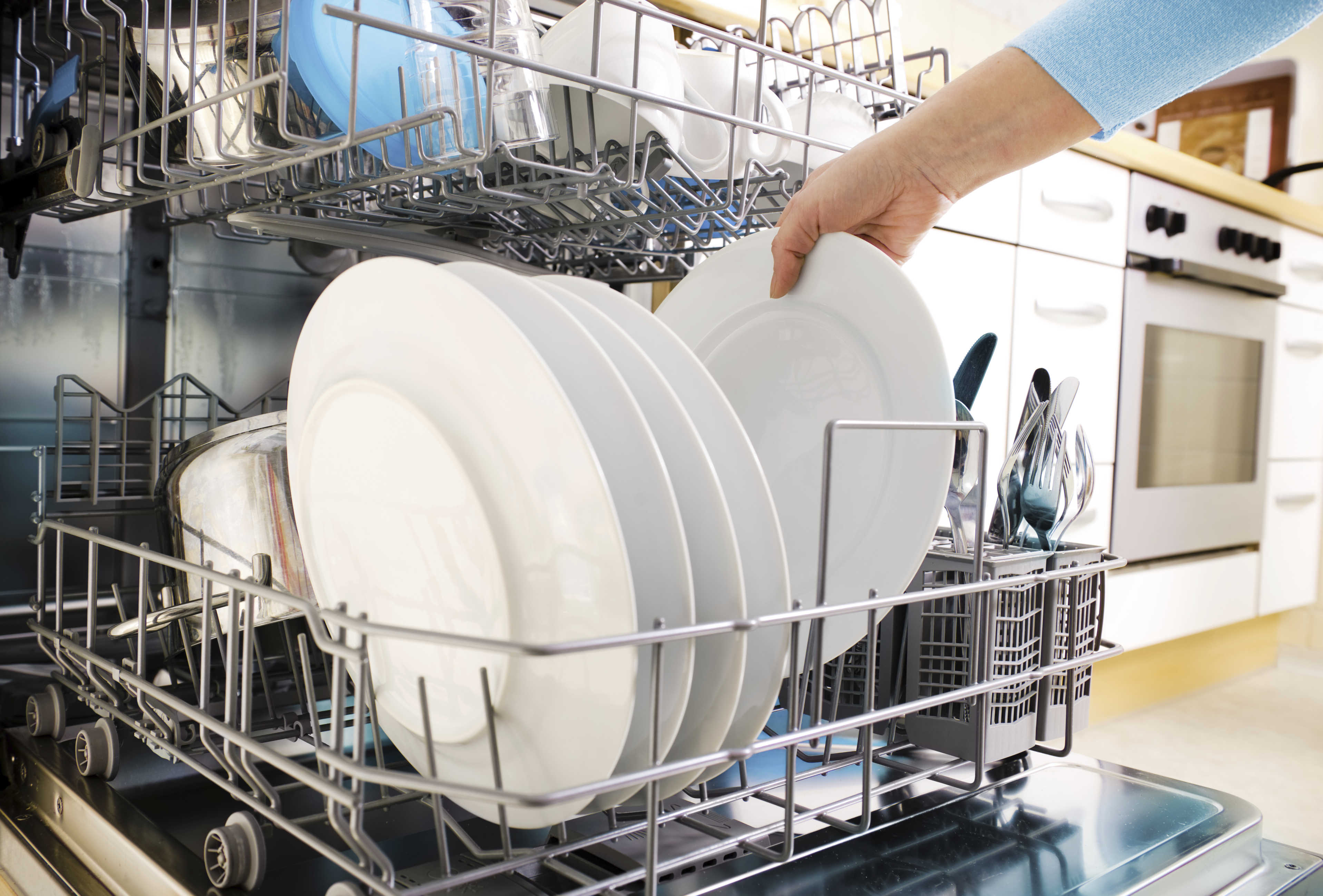 Are You Loading the Dishwasher the Right Way?