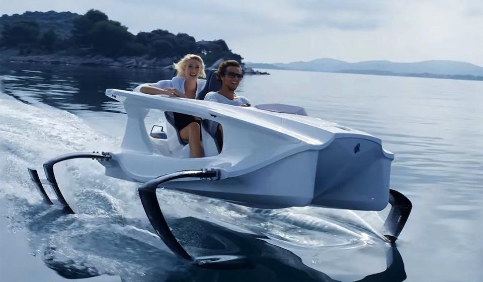 LuxeTrends: A Splash of Luxury
