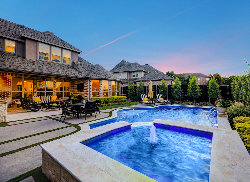 Magnificent backyard pool at 1706 Woodsboro Court in Allen, Texas.