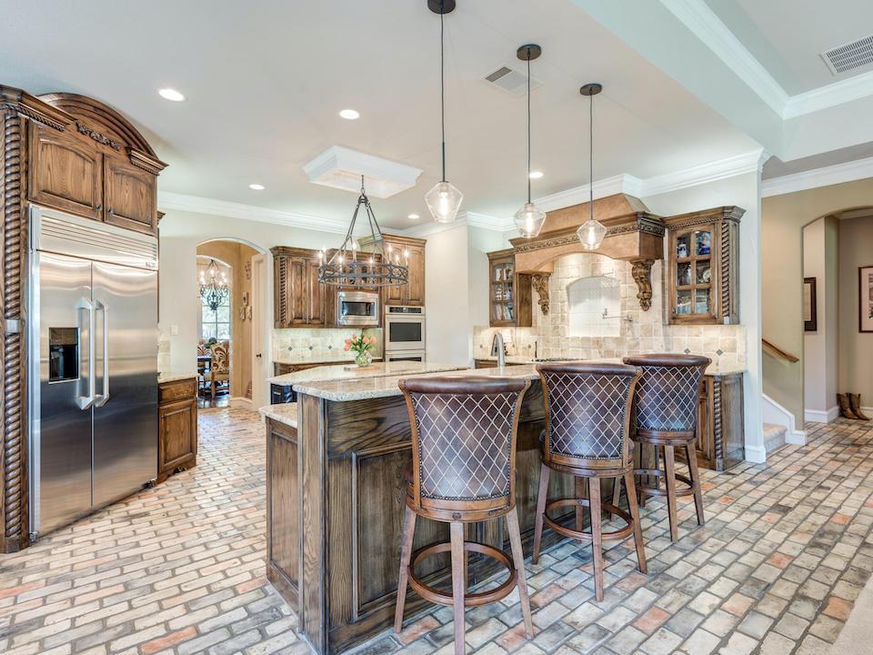 Gorgeous kitchen at 646 Castle Rock Drive in Southlake, TX