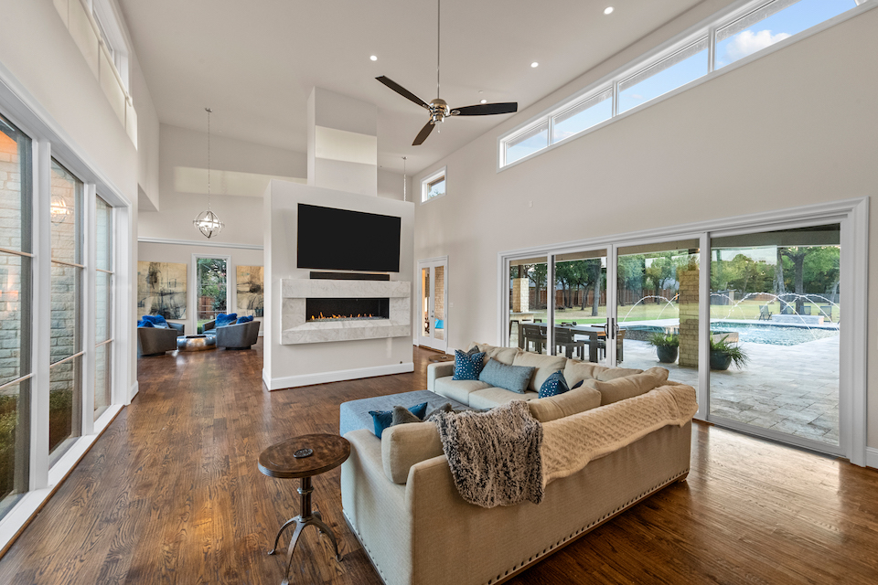 Living area at 6230 Pool Road in Colleyville, Texas