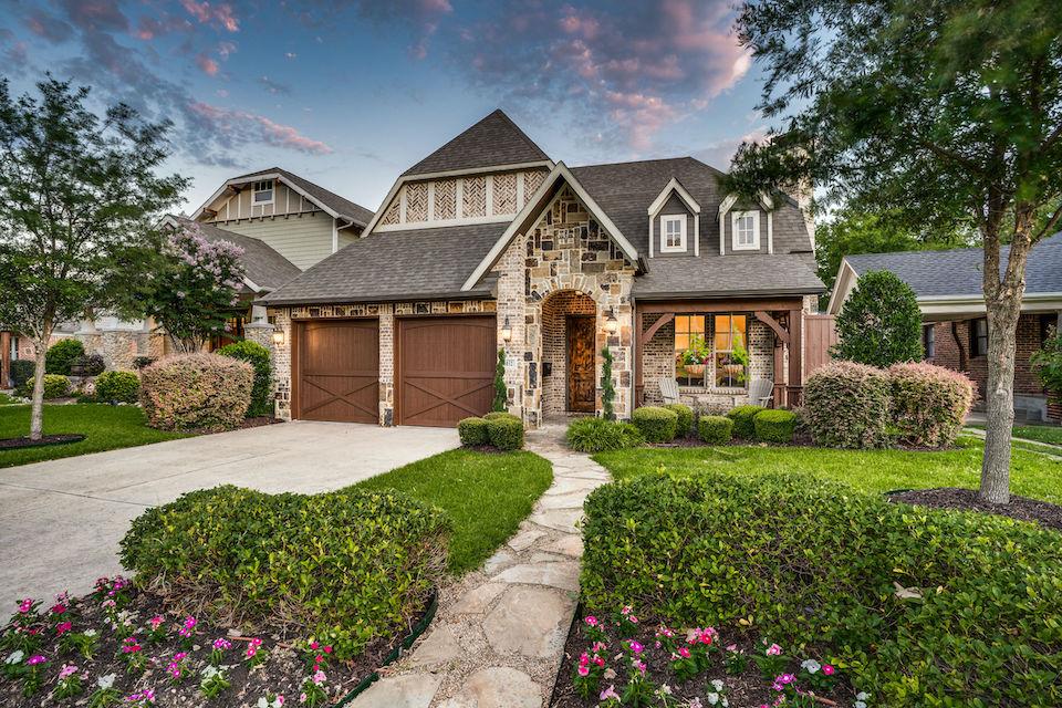 Home at 6032 Richmond Avenue in Dallas, Texas