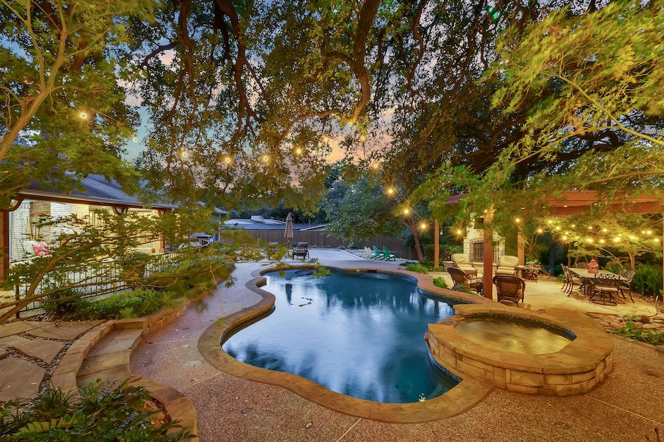 Backyard oasis at 6929 Elmridge Drive in Dallas, Texas