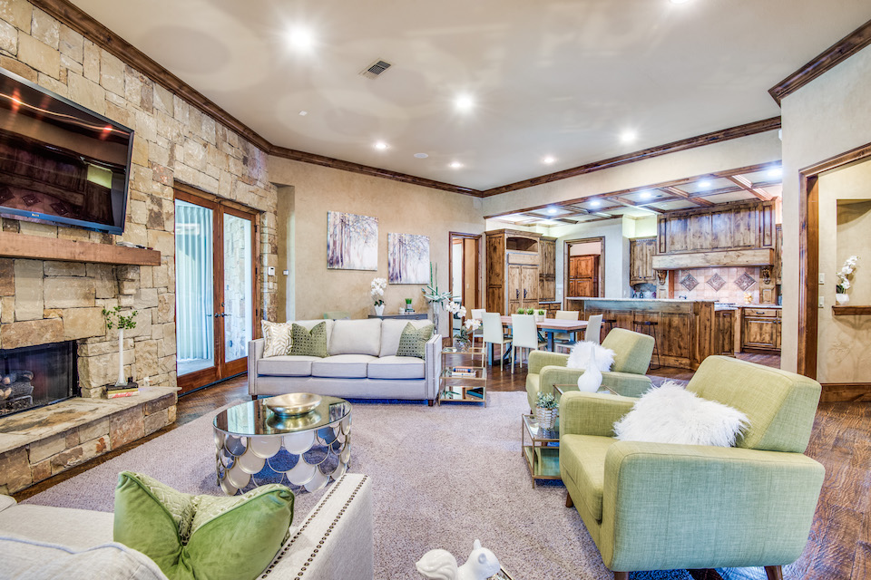 Home at 1433 Cottonwood Valley Court in Irving, Texas