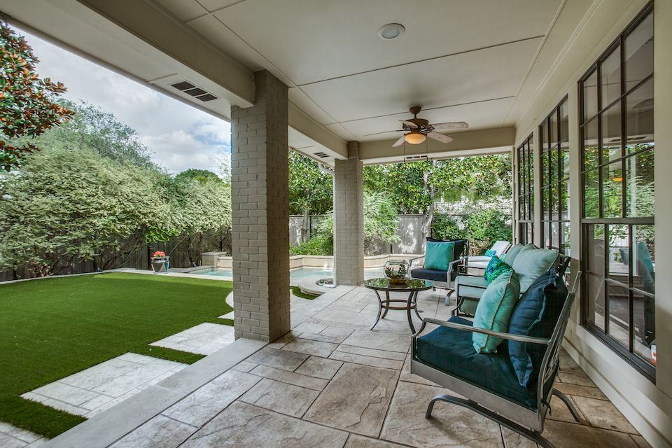 Patio at 17133 Club Hill Drive in Dallas, Texas