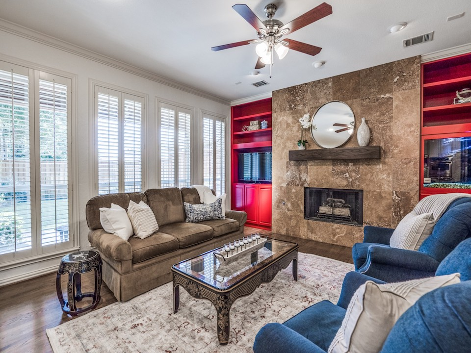 18509 Gibbons Drive in Dallas, Texas
